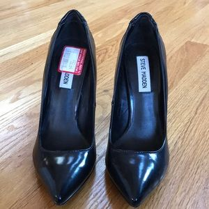 Steve Madden patent leather pump worn once