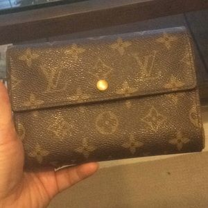 Authentic LV. Porte Tresor Etui Papier