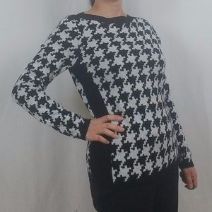 THE LIMITED BLACK/WHITE PRINT SWEATER
