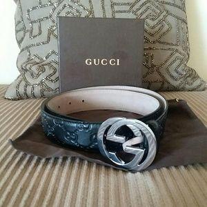 Black leather 100% authentic Gucci belt