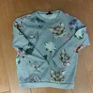 Cute, Cozy Cat Sweatshirt size Small