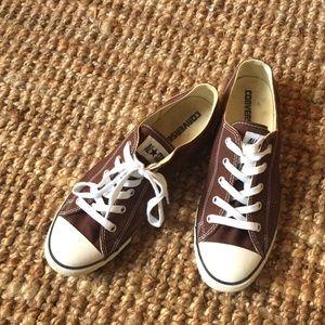 Size 10 brown converse