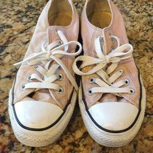 Women's size 7 light pink converse