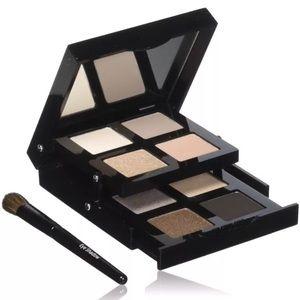NIP - BOBBI BROWN Sandy Nudes Eye Palette