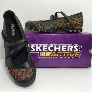 SKECHERS UNTAMED