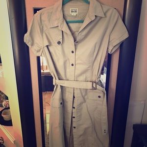 ❤️Converse Medium khaki Dress with belt❤️