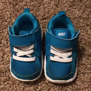 Turquoise nikes never worn