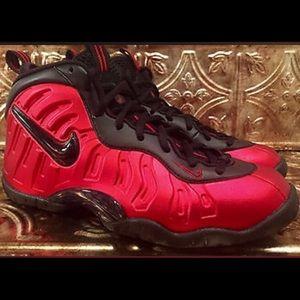 "Nike Air Foamposite ""University Red"" Kids size 9"