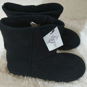 Brand New with tags SoleMates boots