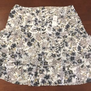 🆕 Women's 12 LOFT Tiered Floral Skirt Lined $55