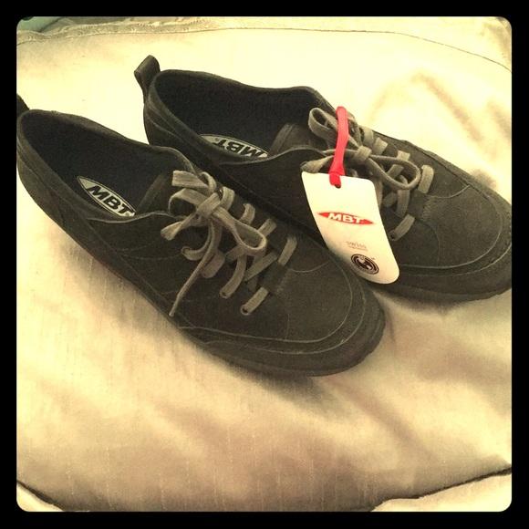 1af7889087e5 MBT Women s Matwa Casual Walking Shoe