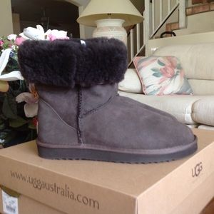 🆕UGG® Classic Short Boot Chocolate NWB