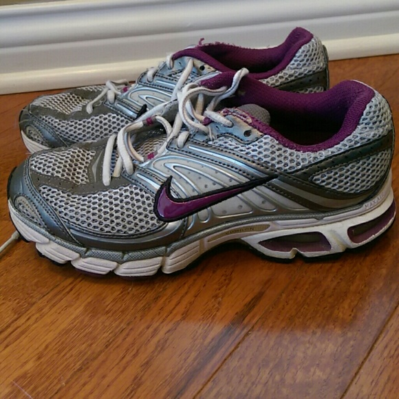 4b1b10a9207f Nike Moto 6 Silver   Purple Athletic Shoes. M 5a0f4f53f0928233270078b3
