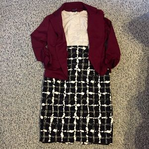 Knee-length patterned pencil skirt