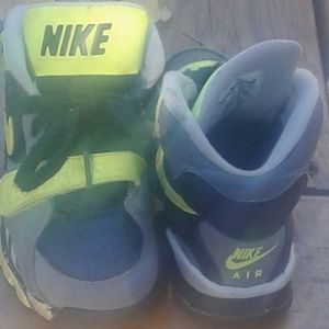 ☆NIKE Boy's (Youth) Sneakers☆ Size 1☆