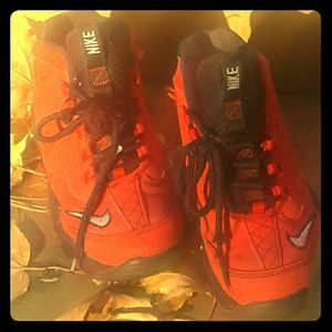 ☆NIKE Boy's (Youth) Sneakers☆Size 1.5☆