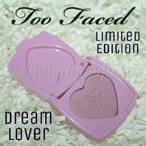 LE Too Faced Love Flush 16hr Blush - Dream Lover