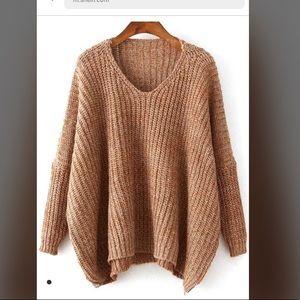 Tops - BRAND new oversized sweater !