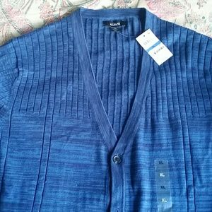 MAN  BRAND NEW ALFANI sweater