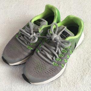 Nike Zoom Pegasus 33 Running Shoes Gray Green 1Y