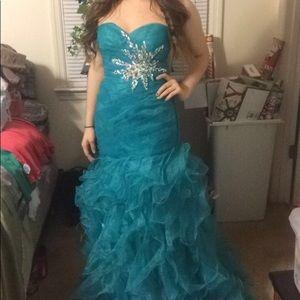Dresses & Skirts - $65