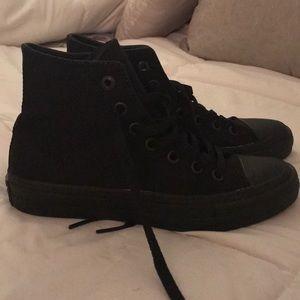 Converse - all black high top