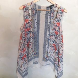 Beautiful BCBG blouse