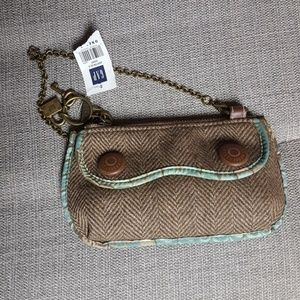 Tweed clutch