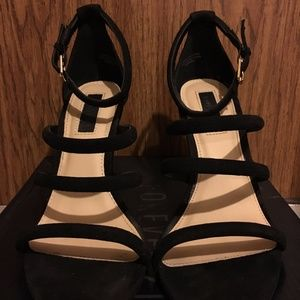 Forever21 Black Wedge Strappy Sandals Size 6.5