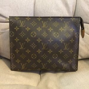 Louis Vuitton Toiletry 26 Cosmetic Pouch