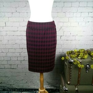 EUC Halogen houndstooth pencil skirt with stretch