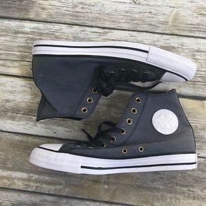 Converse : Chuck Taylor All Star High Top Sneakers