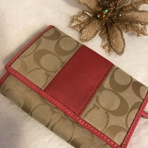 ❤️COACH wallet!! Beige and Coral!