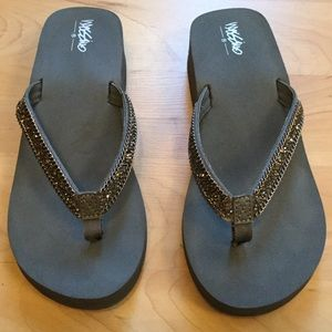 Sparkly Wedge Flip Flops - Gray
