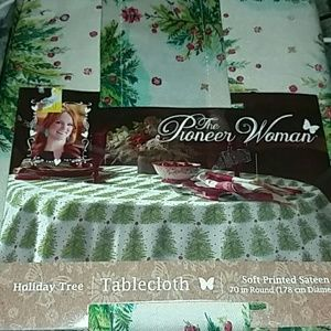 New in package Christmas Tablecloth