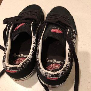 25f1ee00ed5c6c Vans Shoes - Vans Off The Wall (La Cripta Dos - Omar Hassan)