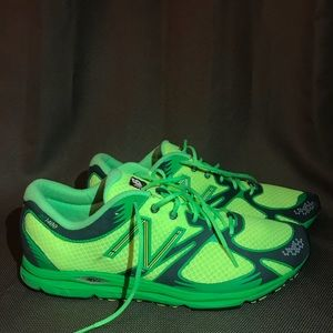 NEW BALANCE MR 1400 RUNNING SHOES