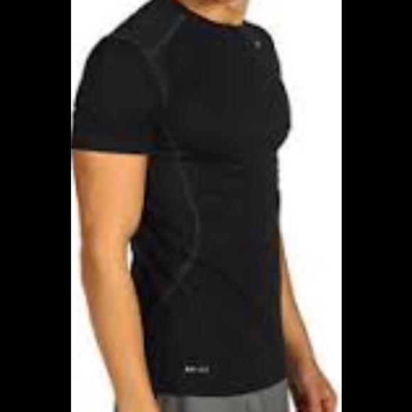 5b6c14c2 Nike Pro Combat Dri-Fit Fitted Shirt Size M. M_5a296ec7f739bce9fb01343d