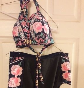 Other - NWT 2 PIECE FLOWERED SWIMSUIT SIZE XL