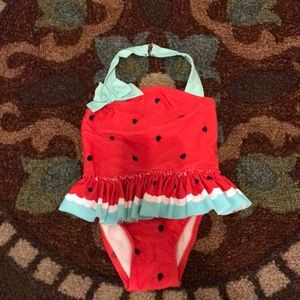 Size 3T girls swimsuit!
