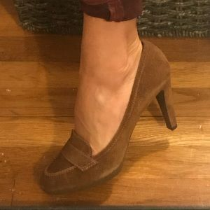 Sergio Rossi Brown Suede Loafer Style Heel.Size 39