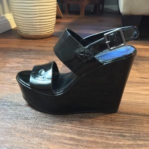 Forever 21 topshop faux patent leather wedge heel