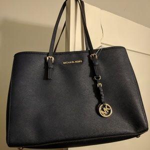 LIKE NEW Michael Kors navy handbag *FIRM PRICE*