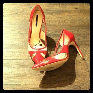 Brand New!!Zara Pump
