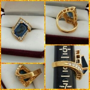 🎄🎁1DAY ONLY SALE  BLUE AND WHITE SAPPHIRE RING
