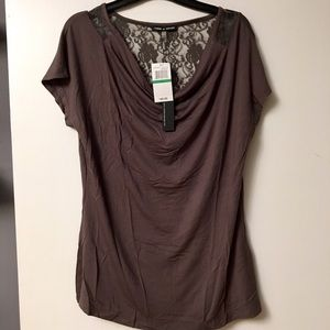Cable & Gauge Short-Sleeved Drape Top in Truffle L