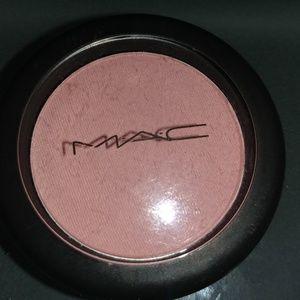 MAC powder blush in well dressed