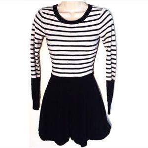 ❣️BOGO 1/2 off❣️🆕 Express mini sweater dress xs