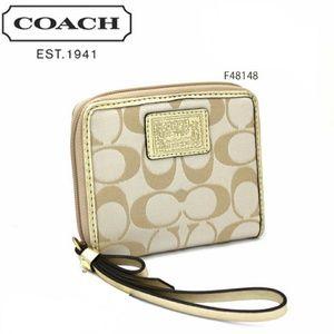 COACH Daisy Signature Sateen Medium Wallet F48148