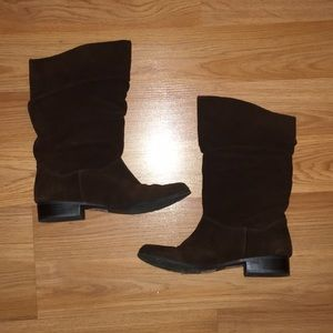 NEVER WORN Brown Slouchy Boots